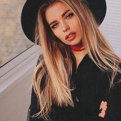 Image about girl in beauty by Jazz on We Heart It Foto Instagram, Instagram Girls, Disney Instagram, Winter Hairstyles, Cool Hairstyles, Alexandra Burimova, Girl Celebrities, Portraits, Style Vintage