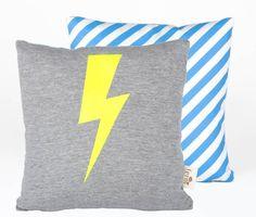 Ferm Living Kissen Blitz aus Baumwolle, gelb/grau/blau/weiß, 30x30cm