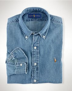 Shop the men's Classic Fit Denim Shirt at the world of Ralph Lauren. Browse our designer men casual shirts & denim shirts today. Denim Polo, Fitted Denim Shirt, Mens Chino Pants, Denim Shirt Men, Ralph Lauren Denim Shirt, Polo Ralph Lauren, Shirt And Tie Combinations, T Shirt Sport, Camisa Polo