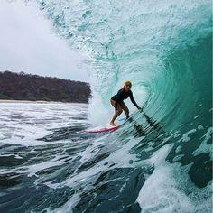 Nicaragua surf - Steffi Kerson Photo by tonyzphotos