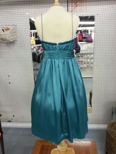 Back of dress Berlin Market, Dresses, Vestidos, Dress, Gown, Outfits, Dressy Outfits