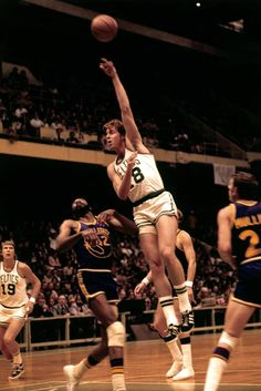 Dave Cowens: NBA Rookie of the Year, League MVPm & 2-time champion with the Boston @Celtics! #FinalsTrivia