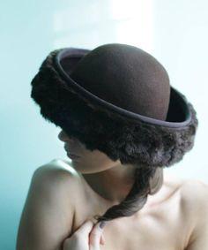 256c73fd5395 Vintage brown wool felt short faux fur brim lady's round British Hats,  Fedora Hat,. Etsy