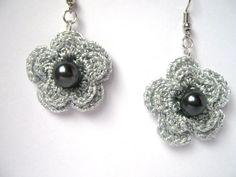 Pendientes de Crochet de gris plata con un vaso de por Benivision