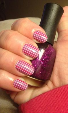 Ombré Polka Jamberry Nail Wraps. Get the nail art look without the messy & tricky nail art tutorials-Jamberry wraps can be easily applied with a blow dryer! They last up to 2 weeks on hands & up to 6 weeks on toes, plus all sheets are Buy 3, Get 1 FREE!! What are you waiting for?? Once you try Jamberry wraps, you'll never go back to polish! To shop, www.taraeman.jamberrynails.net