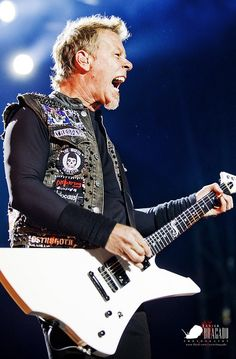 Metallica@Sonisphere2012_03 by Javier Bragado, via Flickr
