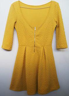 Kup mój przedmiot na #vintedpl http://www.vinted.pl/damska-odziez/krotkie-sukienki/13432373-zolta-musztardowa-sukienka-bershka-rozkloszowana-mini-zakladki-zip-rekawek-34