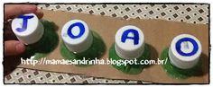 Trabalhando a coordenação motora com a montagem do nome com tampas e garrafa pet. http://mamaesandrinha.blogspot.com.br/2014/08/montagem-do-nome-usando-tampas-e.html