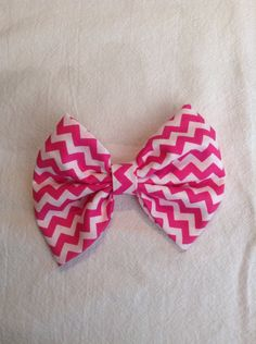 Hey, I found this really awesome Etsy listing at https://www.etsy.com/listing/184223237/pink-and-white-chevron-hair-bow
