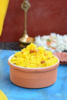 Zarda Pulao or Meethe Chawal is a sweet rice preparation, deliciously infused with cardamom and saffron, a family favorite. North Indian Recipes, Indian Food Recipes, Asian Recipes, Ethnic Recipes, Diwali Recipes, Bangladeshi Food, Bangladeshi Recipes, Pakistani Recipes, Sweet Dishes Recipes