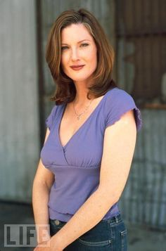 Character Casting Annette O'Toole as Ambassador Maeve Rivers Annette O'toole, Superman, Houston, Hollywood, V Neck, Mom, Hair, Smallville, Vampires
