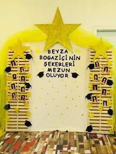 Graduate School, Pre School, Preschool Graduation, Photo Booth, Kindergarten, Creative, Ticket Invitation, Candle, Preschool