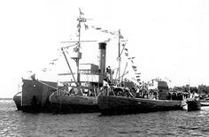 Finnish Navy submarine mother ship served as minelayer, and Louhi Vetehinen-class submarines Vetehinen, Vesihiisi and Iku-Turso in the summer of 1939.