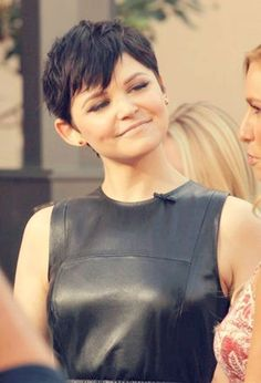 Short Hairstyles for Women With Round Faces: Ginnifer Goodwin Pixie Haircut