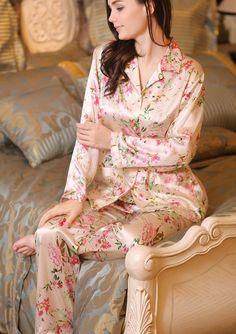 Snow Blossom has a range of beautifully made pure mulberry silk nightwear, sleepwear, pyjamas for ladies who like to pamper themselves. Pyjama Satin, Satin Sleepwear, Satin Pajamas, Sleepwear Women, Nightwear, Loungewear, Satin Lingerie, Pretty Lingerie, Pijamas Women