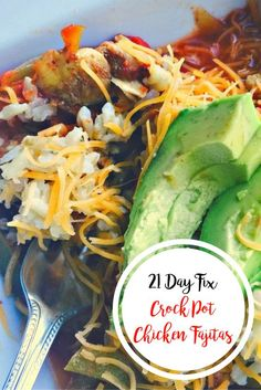 21 Day Fix Crock Pot Chicken Fajitas | Confessions of a Fit Foodie