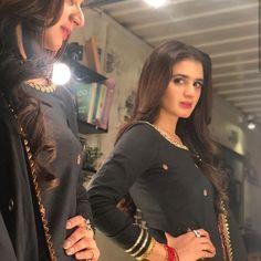 Stunning photoshoot of beautiful actress hira mani Beautiful Celebrities, Beautiful Actresses, Hira Mani, Beauty Life Hacks Videos, Beautiful Dress Designs, Pakistani Actress, Pakistani Dramas, Actress Pics, Pakistani Bridal