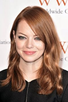 Light auburn brown hair (auburn hair emma stone) hair in 201 Brown Hair Shades, Light Brown Hair, Light Hair, Brown Hair Colors, Brownish Red Hair, Dark Hair, Brown Auburn Hair, Light Auburn Hair Color, Brown Hair With Blonde Highlights
