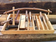 Japanese tool box. [make trugs or storage boxes from old boards, with stick handles].