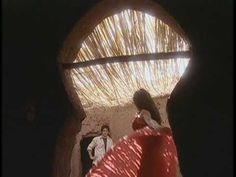 El Clon (original) -- un clásico de las novelas de Brasil. La historia de amor imposible de Jade y Lucas con un final feliz :)