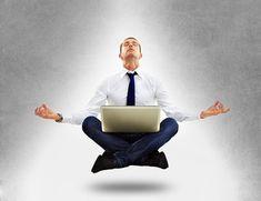 homme d'affaires en élévation spirituelle