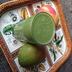 Green Mango Apple Smoothie - Lonneke Engel - Organice Your Life http://organiceyourlife.com/green-mango-apple-smoothie/