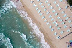 Light Blue Umbrellas, Pampelonne Beach, St. Tropez - Gray Malin