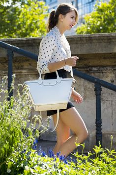 French blogger The Brunette / Emilie has created Longchamp looks on her blog, starring Le