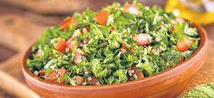 Cina... De Slăbire. 6 Rețete Ușoare, De Seară | Libertatea Mezze, Seaweed Salad, Guacamole, Broccoli, Quinoa, Food And Drink, Herbs, Ethnic Recipes, Garlic Butter