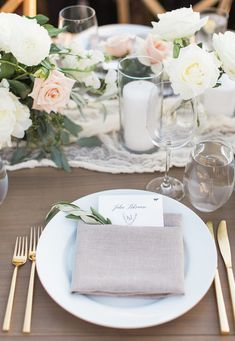 La Tavola Fine Linen Rental: Tuscany Natural Napkins (similar item Aurora White or Ivory Table Runner) | Photography: Annie McElwain Photography, Venue: Sunstone Villa, Event Planning: Maren Parsons, Florals: Moon Canyon, Paper Goods: Lazaro Press + Design, Catering: New West