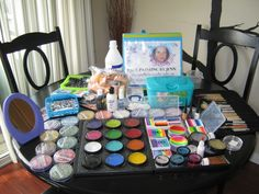Face Painting Set Up / Face Painting by Jenn Face Painting Supplies, Face Painting Tips, Face Painting Designs, Painting Tools, Body Painting, Face Paint Set, Face Paint Makeup, Henna Paint, Carnival Inspiration
