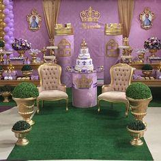 Princesa Sofia!! Por @festasencantadas  em @doremi.festas  super recomendo#festasencantadasbrasilia #decoracaopersonalizada #reinado #princesasofia #festalinda #princesasofiaparty