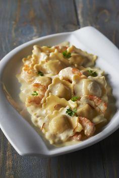ravioli-pesto-mozzarella-et-cra%cc%88me-safranc%cc%a7e-crevettes-sautc%cc%a7es