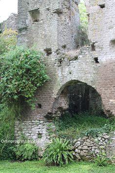 Giardino di Ninfa - edificio antico