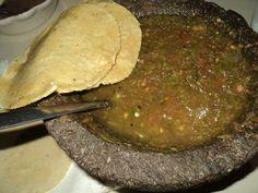 Delicias gastronomicas de mi pueblo !! Salsa de chile de arbol con jitomate ! Ah y no podian faltar las nejas