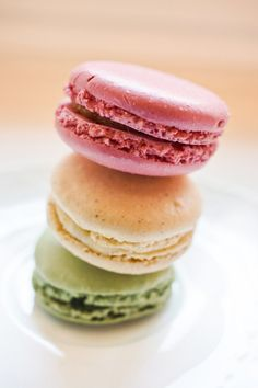 Macaron Flavors, Macaron Recipe, Paris Wall Art, Paris Art, French Cookies, Vanilla Macarons, French Macaroons, France Art, Almond Paste
