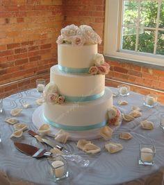 light blue & pink wedding cake (shabby wedding)