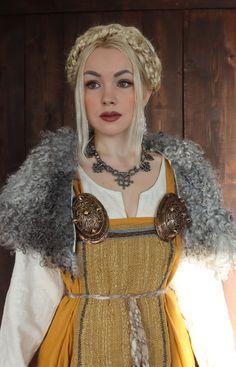 Viking Garb, Viking Dress, Viking Clothing, Historical Clothing, Vikings, Viking Culture, Future Clothes, Medieval Costume, Viking Woman