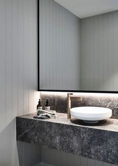 Luxury Bathroom Master Baths Paint Colors is totally important for your home. Whether you pick the Bathroom Ideas Master Home Decor or Luxury Bathroom Master Baths Wet Rooms, you will make the best Small Bathroom Decorating Ideas for your own life. Diy Interior, Bathroom Interior Design, Interior Decorating, Ideas Baños, Decor Ideas, Small Bathroom Organization, Design Apartment, Bathroom Trends, Bathroom Ideas