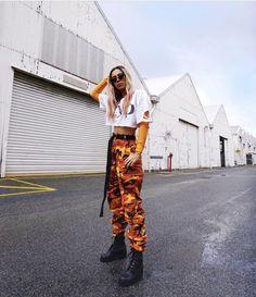 #rahneebransby #orange #ywllow #camo #pants #camopants #cargo #sunglasses #fashion #festivalfashion #style #bossbabe