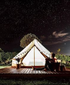 Glamping in Colombia is an incredible experience, because this country has an immense variety of landscapes and climates. Kayak Camping, Outdoor Camping, Ocean Photography, Travel Photography, Couples Things To Do, Unique Vacations, Farm Stay, Travel Images, Vacation Places