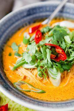 Ich leide unter akutem Thaifood-Entzug. Ich liebe es, aber ich bekomme es nicht mehr, wann ich will. Wer schuld ist? Mein liebster Thailänder. Der hat nämlich den Lieferdienst eingestellt und ist nich