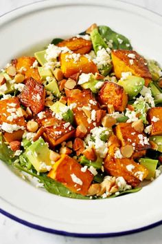 This Roast Pumpkin, Spinach and Feta Salad with Honey Balsamic Dressing is a bright and fresh antidote to bland and boring salads. It's great as a meal on its own or paired with some tasty barbecued meat as the perfect side dish. Avocado Spinach Salad, Edamame Salad, Spinach And Feta, Vegetarian Recipes, Cooking Recipes, Healthy Recipes, Veggie Recipes, Quiche Recipes, Healthy Options
