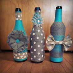 Yarn wrapped bottles wrapped bottles fall by HomeEcQueen on Etsy Liquor Bottle Crafts, Wine Bottle Glasses, Wine Bottle Corks, Diy Bottle, Yarn Wrapped Bottles, Reuse Bottles, Twine Bottles, Glass Bottles, Wine Bottle Design