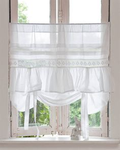 2016 - Whether you're looking for casual curtains or something a little more formal, these DIY window treatments are sure to hit the spot. We have ideas for valances, shutters, curtains, and more. Lace Curtains, Curtains With Blinds, Vintage Curtains, Window Curtains, Shabby Chic Furniture, Shabby Chic Decor, Window Coverings, Window Treatments, Shabby Chic Kitchen Curtains