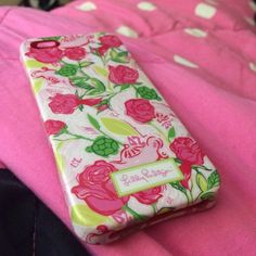Lily Pulitzer iPhone 4/4S case Iphone 4/4S case. Great condition Lilly Pulitzer Accessories Phone Cases