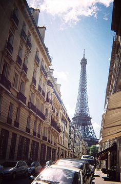 lets bring Paris right here (youmademehuman on flickr)                                                                                                            lets bring Paris right here             by        youmademehuman      on      ..