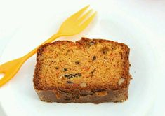 Eggless Whole Wheat Carrot Cake : Easy & Simple whole wheat cake! This carrot cake is soft, super moist and full of flavor! Egg Free Carrot Cake, Whole Wheat Carrot Cake, Eggless Carrot Cake, Best Carrot Cake, Healthy Cake Recipes, Baking Recipes, Bread Recipes, Vegan Recipes, No Bake Desserts