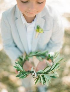 Olive branch wreath instead of a boring ring bearer pillow. Ring Bearer Pillows, Ring Bearer Box, Ring Bearer Ideas, Ring Pillows, L Eucalyptus, Ring Pillow Wedding, Greek Wedding, Rings For Girls, Rings Cool