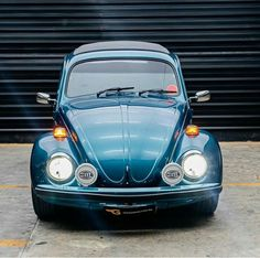 Custom Vw Bug, Volkswagen Beetles, Vw Cars, Bugs, Van, Classic, Vehicles, Youtube, Decor